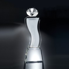 "11 1/4"" Esmeralda Crystal Diamond Award"