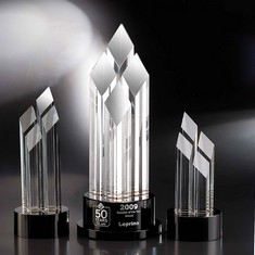 "10"" Pinnacle Crystal Diamond Award"