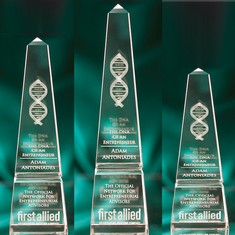 "10"" Crystal Obelisk Award"